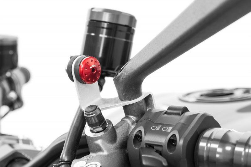Screw front brake/clutch tank fluid