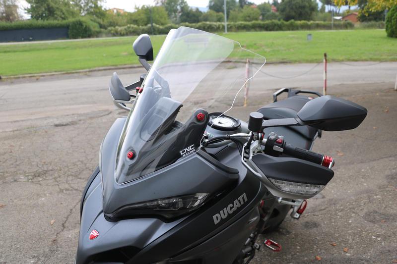 Windshield screws Ducati